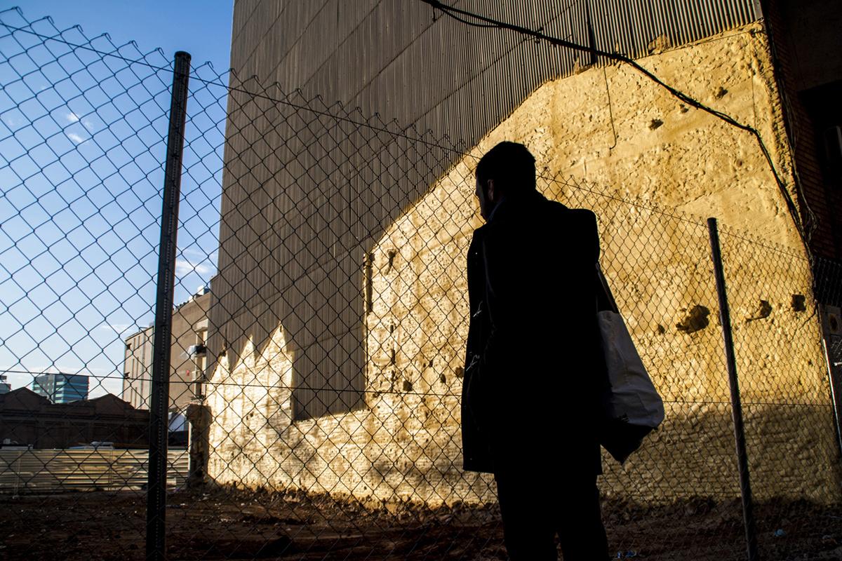 Solar vacío en Sants donde se construirá La Borda